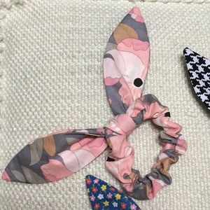 Accessories - Scrunchie bundle with removable ties bows